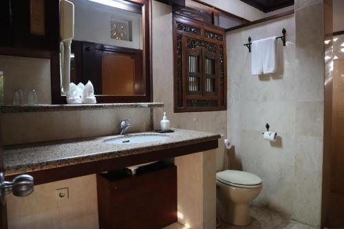 A bathroom at Pondok Agung Bed & Breakfast