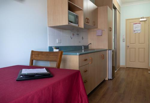 A kitchen or kitchenette at Accommodation on Denham