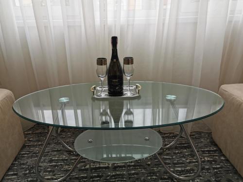 Drinks at Monte-Kristo Hotel