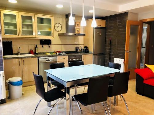 A kitchen or kitchenette at MONTANEJOS - NATURALEZA Y RELAX