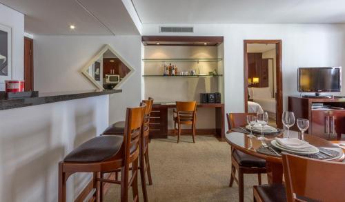 Um restaurante ou outro lugar para comer em Etoile Hotels Itaim