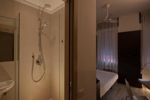 A bathroom at Genius Hotel Downtown