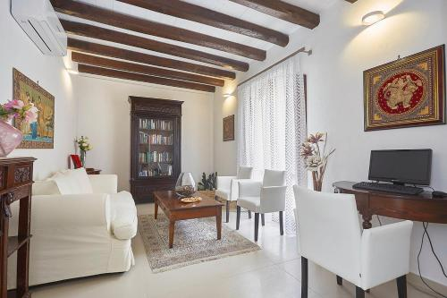 A seating area at Hotel La Tavernetta