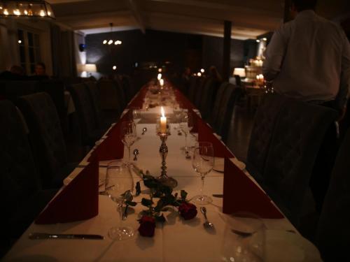 En restaurant eller et spisested på Fosen Fjord Hotel