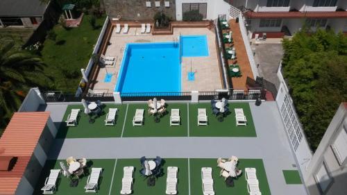 Vista de la piscina de Hotel Sarga o alrededores