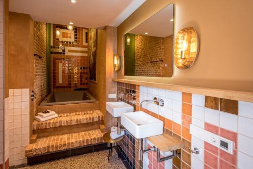 A bathroom at Loods Logement