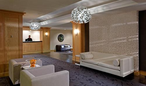 A seating area at Cambridge Suites, Sydney