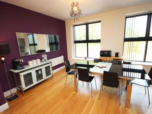 A kitchen or kitchenette at Lime Square