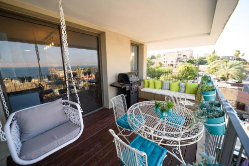 Luxury 2BR Balcony with Sea view - Yalarent