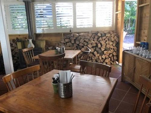 A restaurant or other place to eat at Smoky Cape Retreat