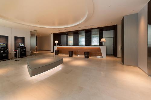 The lobby or reception area at Shizutetsu Hotel Prezio Tokyo Tamachi