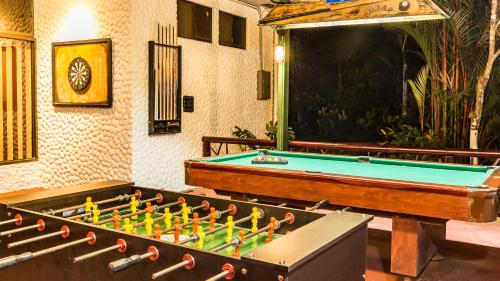 A pool table at Hotel Villas Rio Mar