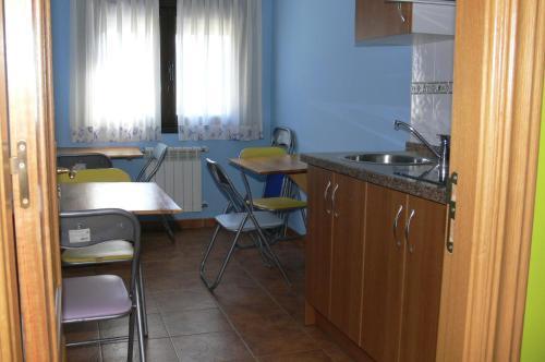 A kitchen or kitchenette at Casa Mariví