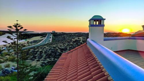 Wschód lub zachód słońca widziany z tego aparthotelu