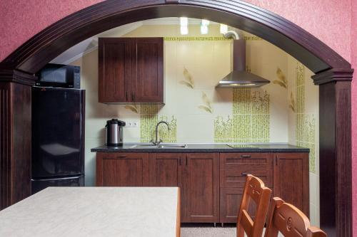 Кухня или мини-кухня в Дом на распутье дорог