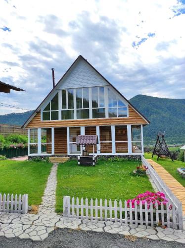 Алтайский Семейный ugolok база отдыха село Черга