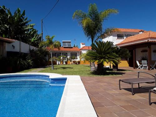 The swimming pool at or near Casita La Finca II