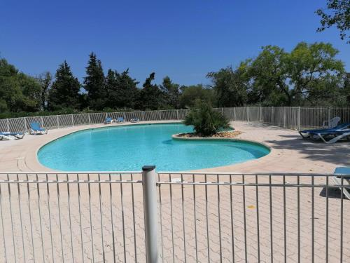 The swimming pool at or close to Le Clos de Saint Aygulf