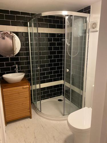A bathroom at The Raven Suite