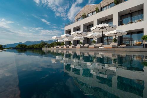 Vivid Blue Serenity Resort
