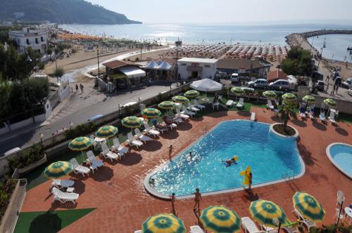 A view of the pool at Morcavallo Hotel & Wellness or nearby
