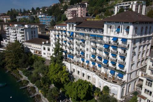 Vista aerea di Hôtel du Grand Lac Excelsior