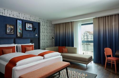 Hotel Indigo Berlin - East Side Gallery, an IHG Hotel