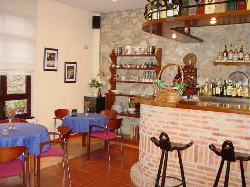 The lounge or bar area at Hotel Gavitu