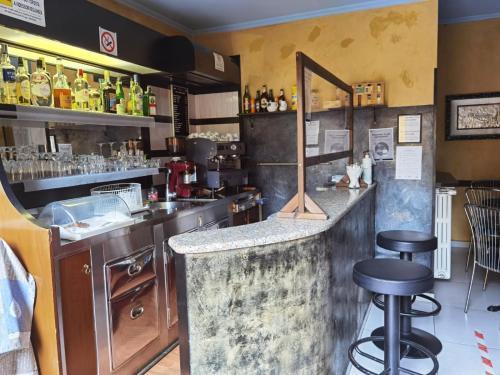The lounge or bar area at Hotel Bonola