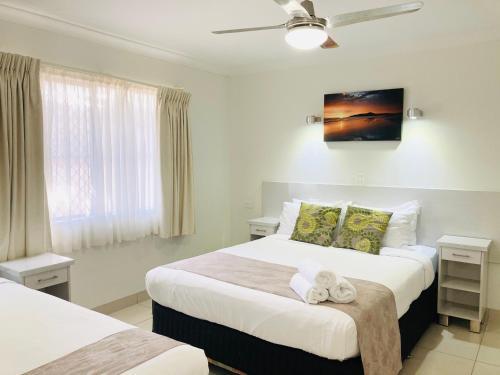 A room at Bay Motel