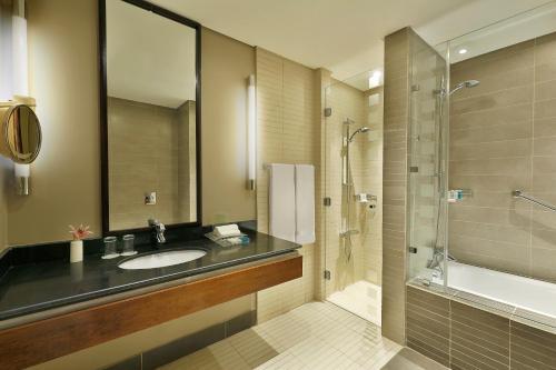 A bathroom at Holiday Inn Resort Dead Sea, an IHG Hotel