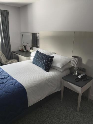 A room at Dean Park Hotel