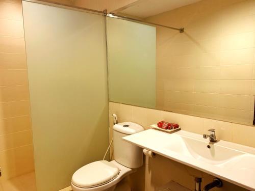 A bathroom at Ameera Hotel