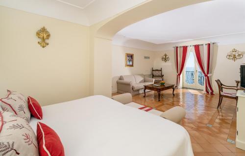 A room at Hotel Punta Regina