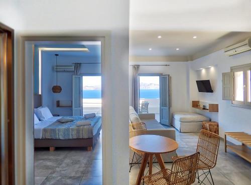 A room at Kokkinos Villas