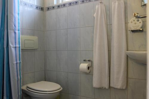 A bathroom at Lavilla Guesthouse