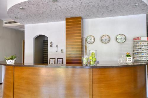 The lobby or reception area at Alekta Hotel - Free Parking