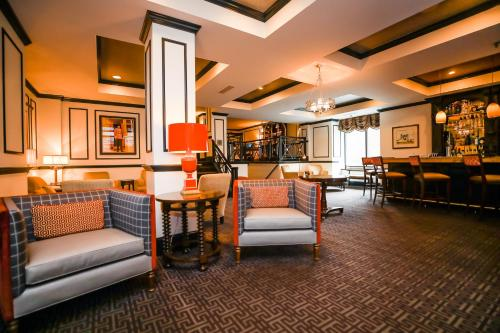 The lounge or bar area at Dunhill Hotel