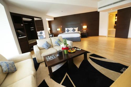 منطقة البار أو اللاونج في Asdal Gulf Inn Boutique Hotel- SEEF