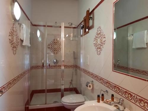A bathroom at Portico Del Paradiso