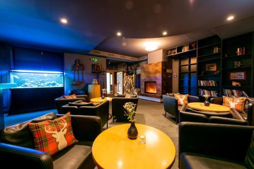 Lounge alebo bar v ubytovaní Hotel Veverica