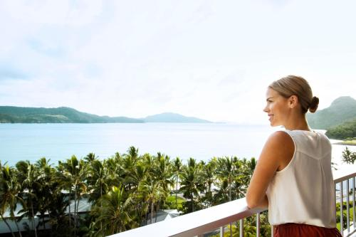 A balcony or terrace at Reef View Hotel