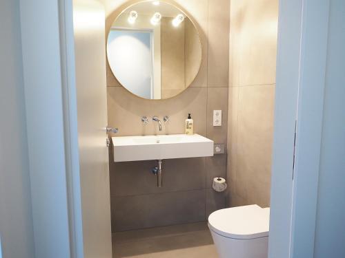 A bathroom at Jugend- und Familienhotel Augustin