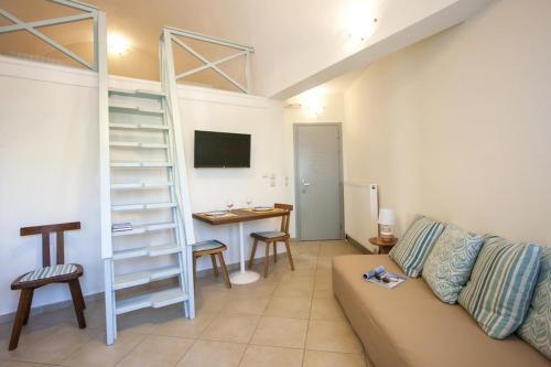 Area soggiorno di Santorini Med Homes
