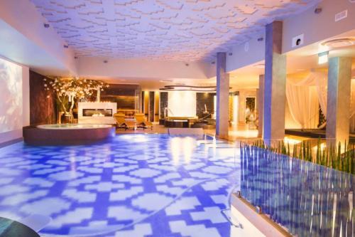 The lounge or bar area at Tallinn Viimsi Spa & Waterpark