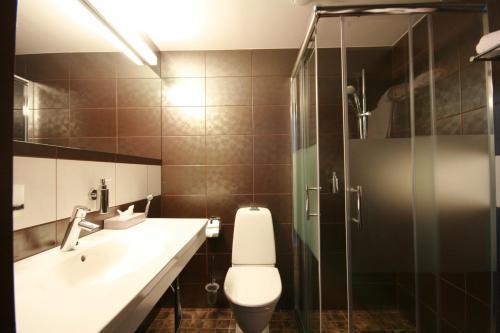 A bathroom at Tallinn Viimsi Spa & Waterpark