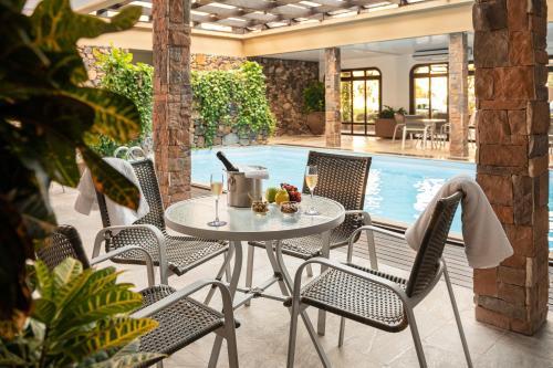 Uma varanda ou outra área externa em Serrazul Hotel Distributed By Intercity