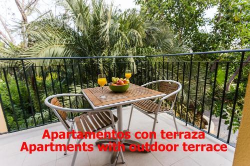 A balcony or terrace at Apartamentos El Palmeral de Madaria