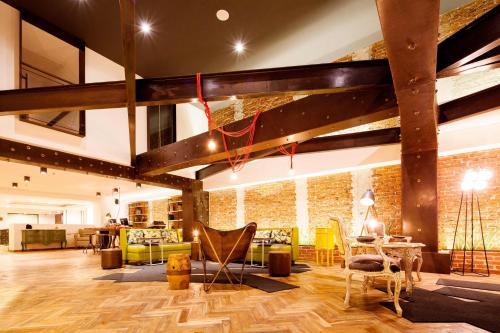 El salón o zona de bar de Hotel Presidente