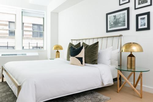 A room at Sonder at One Platt